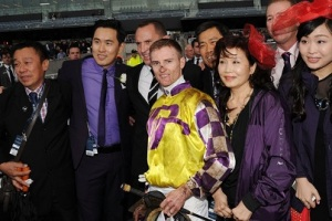 A DAY AT THE HK RACES WITH FAST TRACK 4