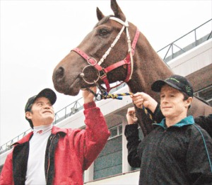 CRUZ CONTROL AND THE GOOD AMBASSADORS OF HK RACING  6