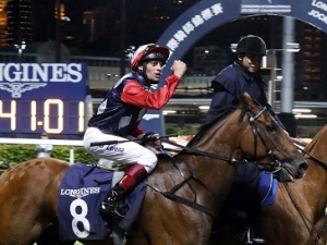 THE NIGHT GAVIN LERENA ARRIVED IN HONG KONG 3